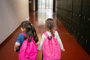 Nowy rok szkolny w cieniu pandemii. Co zmieni się od 1 września? Matura 2022 i egzamin ósmoklasisty - są szczegóły