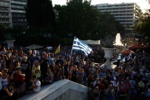 W Atenach miał miejsce protest antyszczepionkowców. Demonstranci zaatakowali policję