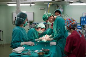 NIK skontrolował szpitale. Zagrożonych jest 247,5 tys. pracowników, w tym lekarze, pielęgniarki, ratownicy