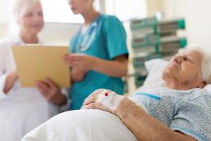 Opieka długoterminowa w Polsce leży. Mapa potrzeb zdrowotnych nie zostawia złudzeń