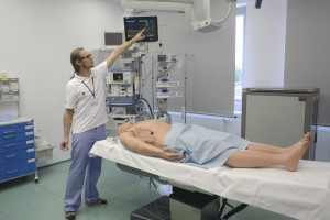 Bezpłatne kursy dla lekarzy na symulatorach medycznych. Zaprasza SUM