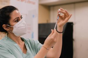 Trzecia dawka. EMA bada wniosek w sprawie szczepionki przypominającej