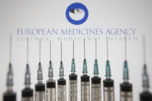 EMA zaktualizowała listę skutków ubocznych szczepionek AstraZeneca i J&J