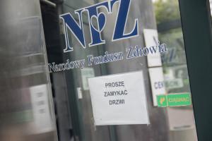 NFZ zapowiada ponad 730 mln dla szpitali. Pierwsza transza pieniędzy w październiku