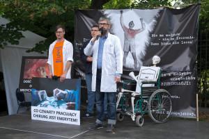 """Co czwarty chirurg w Polsce to emeryt. """"To największy kryzys kadrowy w historii"""""""