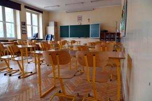 Koronawirus w 11 szkołach i jednym przedszkolu w Wielkopolsce
