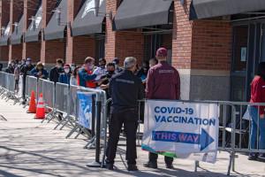 Pandemia COVID-19 sieje spustoszenie wśród mieszkańców USA