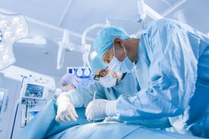 Co czwarty chirurg w Polsce jest emerytem, a polska chirurgia umiera. Dlaczego?