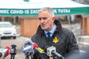 """Prezydent Roman Szełemej zwolniony ze szpitala w Wałbrzychu. """"Spotkamy się w sądzie"""""""