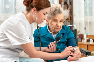Stypendia dla przyszłych lekarzy i pielęgniarek. Tym razem inicjatywa powiatowa - w Radomiu