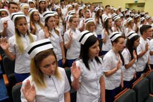 Stypendia dla pielęgniarek i ratowników na studiach? MZ odpowiada: nic z tego