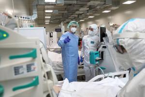 Koronawirus w Polsce. 22 września prawie 900 zakażeń. Zmarło aż 20 osób