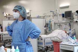 Koronawirus. 24 września 25 proc. zakażeń więcej. Zmarło 14 osób