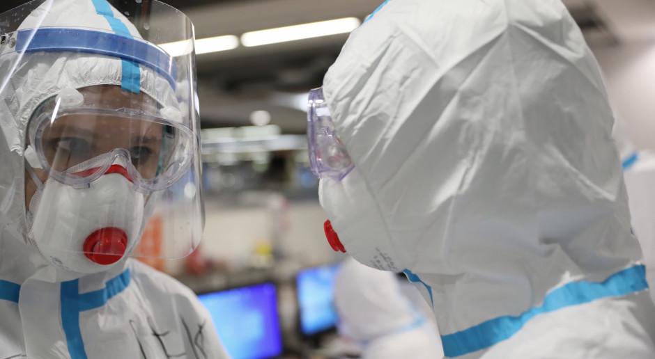 COVID-19 znowu zmusza szpitale do przekształcania oddziałów. Czwarta fala już tu jest