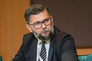 Prof. Banach: Lockdowny nie powinny obejmować osób zaszczepionych przeciwko COVID -19