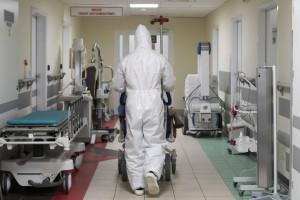 Koronawirus. 27 września. Coraz więcej chorych z COVID-19 w szpitalach