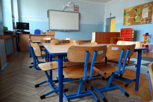 Koronawirus w ponad 200 szkołach. Większość pracuje hybrydowo, w niektórych nauka zdalna