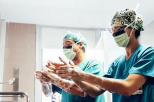 PIP: łamanie regulaminu pracy w 7 na 10 skontrolowanych placówkach medycznych