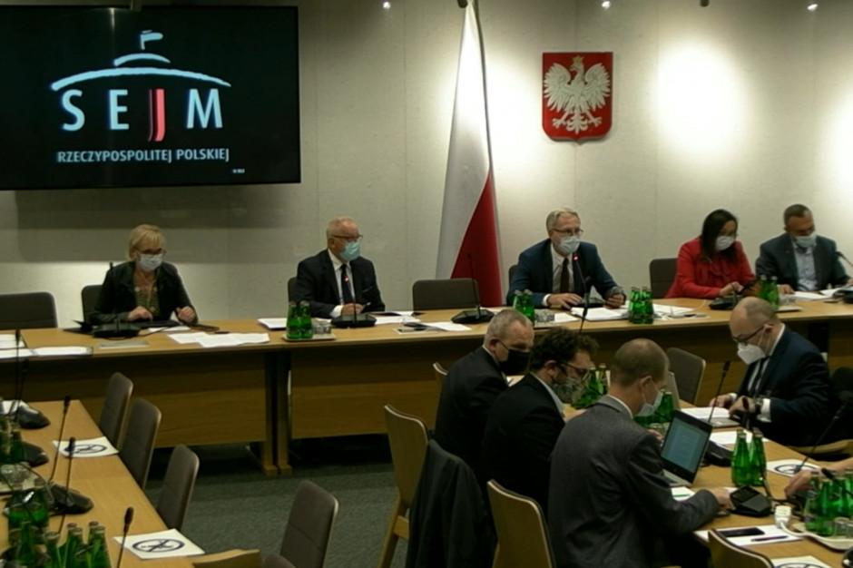 Szczepienia przeciw grypie w aptekach. 13 października dyskusja na ten temat w Sejmie