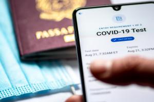 Do sądów trafia coraz więcej aktów oskarżenia ws. fałszywych paszportów covidowych i negatywnych wyników testów