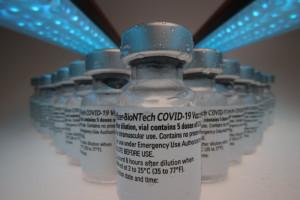 Szczepionka w 100 dni. Pfizer jest do tego przygotowany