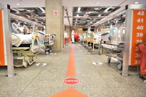 Będzie 15 szpital tymczasowych. A to dopiero początek