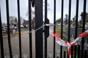 Co z cmentarzami na 1 listopada? Niedzielski zdradził ostateczną decyzję rządu