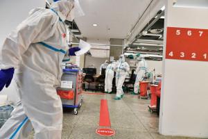Koronawirus w Polsce. W listopadzie nawet 12 tys. zakażeń dziennie. MZ ujawnił najnowsze prognozy