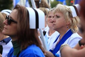 Pielęgniarki mają mocną pozycję przetargową, którą wzmacniają zagraniczne oferty pracy