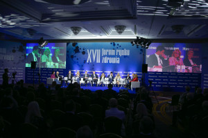 Bezpieczeństwo lekowe, neurologia i POZ wśród gorących tematów drugiego dnia XVII Forum Rynku Zdrowia