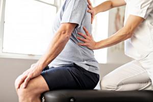Coraz więcej Polaków uskarża się na ból kręgosłupa. Częstym powodem jest nadwaga