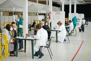 Szczepionka przeciw COVID-19 pomoże w walce z innymi wirusami
