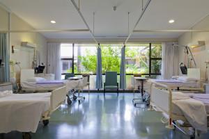 """Stworzyli mapę zamykanych oddziałów szpitalnych. """"Drogie Ministerstwo Zdrowia, kurczy się czas na działania!"""""""