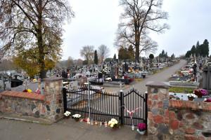 Cmentarze na Wszystkich Świętych. Kraska: jeżeli będzie zła sytuacja, restrykcje wprowadzimy