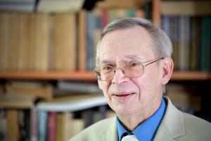 Prof. Gut: przestańmy się skupiać na danych o zakażeniach z jednego dnia