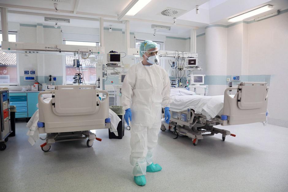 Rekord zgonów z powodu COVID-19. W Wielkiej Brytanii wynik najgorszy od marca