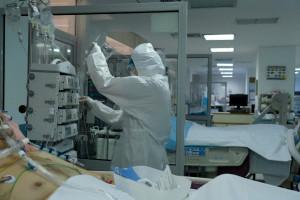 Ekspert Rady Medycznej ostrzega: osoby starsze i z wielochorobowością umrą z powodu COVID-19
