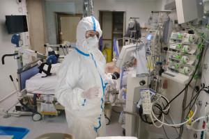 Koronawirus. 21 października ponad 2000 chorych z COVID-19 w szpitalach. Rośnie liczba zakażeń