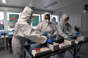 3,2 mld zł - tyle NFZ przeznaczył na testy wykrywające wirusa SARS-CoV-2