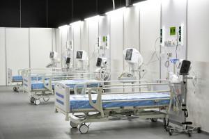 Czy Ministerstwo Zdrowia manipuluje danymi o zakażeniach? Wiceminister zdrowia odpowiada
