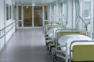 593 dni w kolejce na oddział opiekuńczo-leczniczy. To dlatego MZ chce inwestować w nowe łóżka
