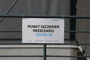 Ponad 167 tys. osób przyjęło trzecią dawkę w Polsce. Dworczyk o statystykach