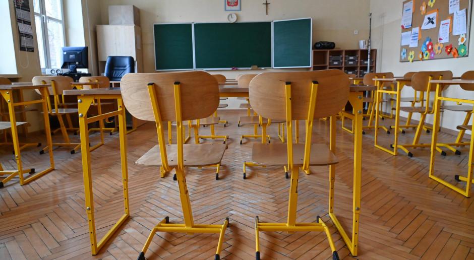 Jest nowe rozporządzenie covidowe Rady Ministrów. Dwie duże zmiany m.in. w szkołach