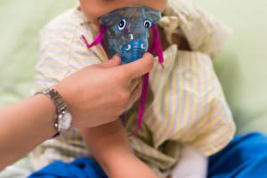 Lekarka o RSV: nawadniać, prowadzić toaletę nosa i zbijać gorączkę