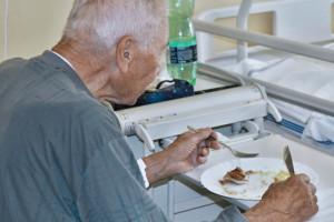 W Polsce dyskusja o jakości jedzenia w szpitalach. Wielka Brytania angażuje znaną restauratorkę