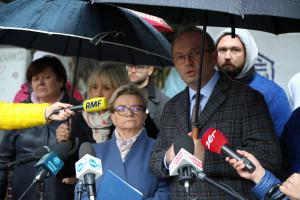 Ptok do ministra i premiera: Robicie wszystko, żeby pogrzebów w Polsce było więcej